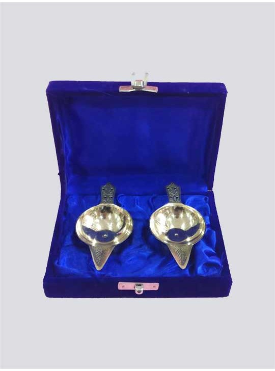 Gift Set Handmade Engraved Design Indian Puja Brass Diya