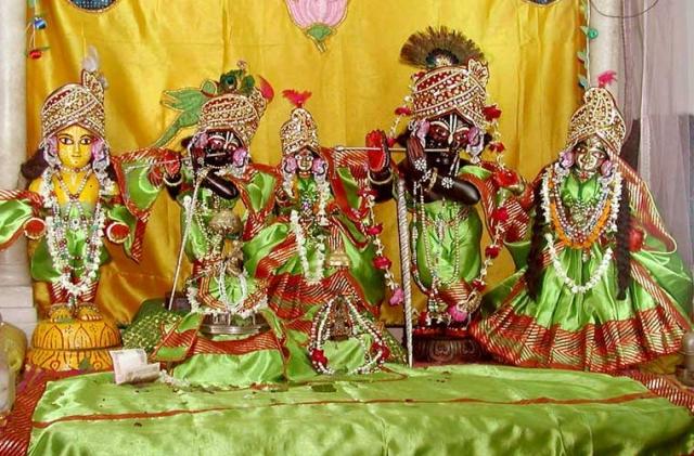 Shri Radha Gokulananda
