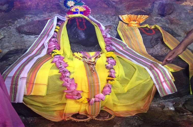 Shri Goverdhan Maharaj Mukharbind