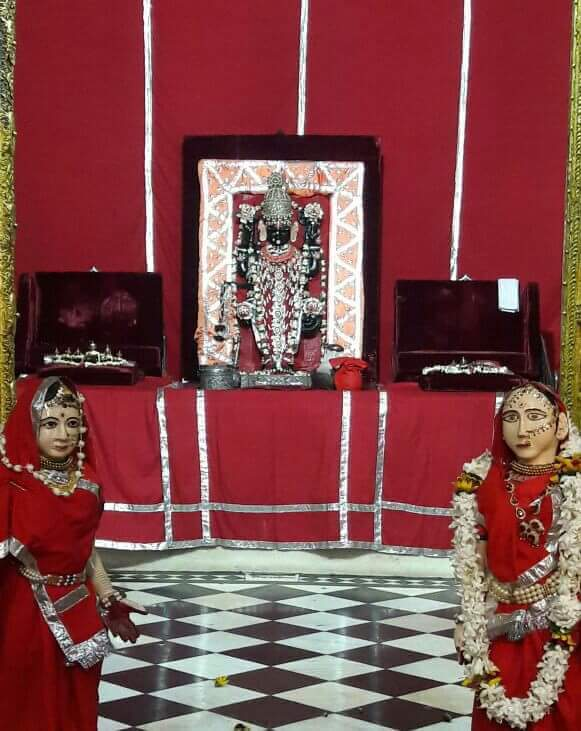 Red Ghata Darshan Shri Dwarkadhish Ji Temple Mathura