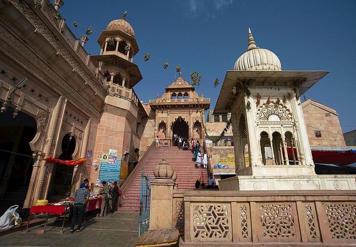 Shri Ji Mandir Barsana