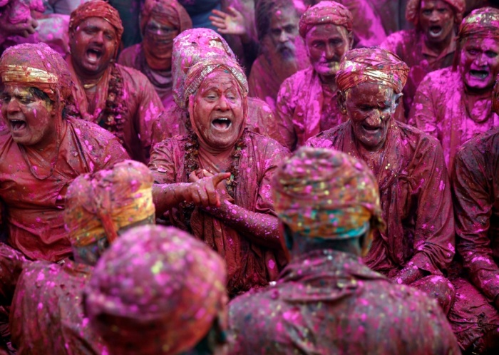 Holi Huranga At Shri Ji Temple Barsana