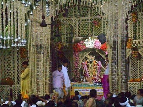 Phool Bangla Darsan at Shri Banke Bihari Ji Temple Vrindavan