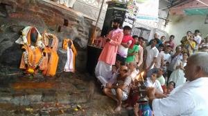 Paidal Govardhan Parikrama Darshan