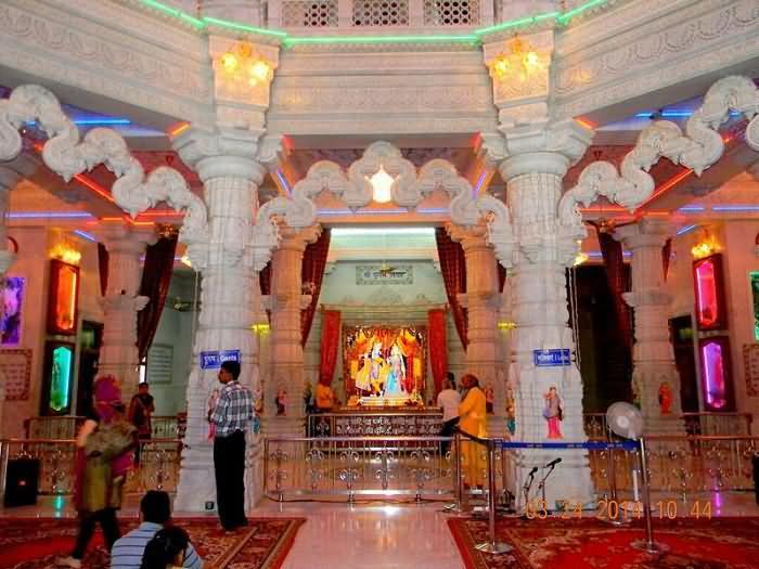 Radha Krishna Idol Inside Prem Mandir Vrindavan