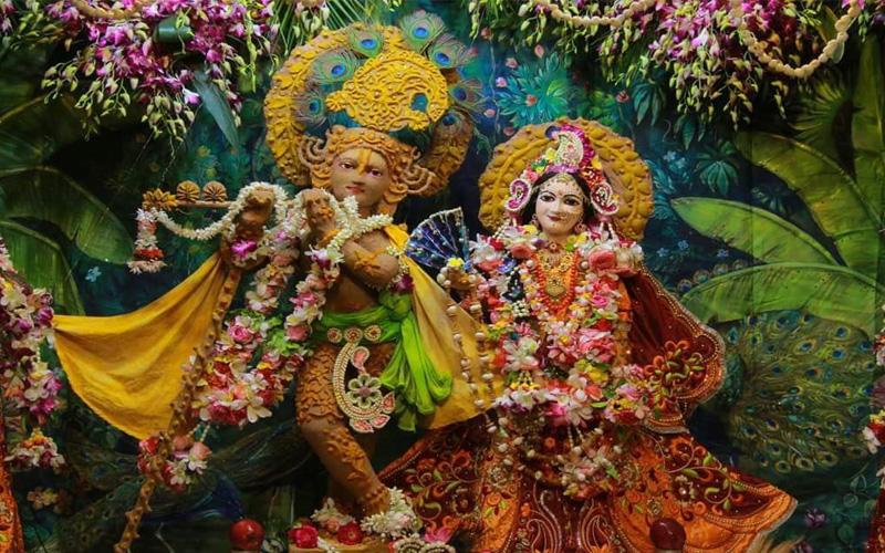 Shri Radhe Krishna Sringar at Akshaya Tritiya Iskcon Temple Vrindavan