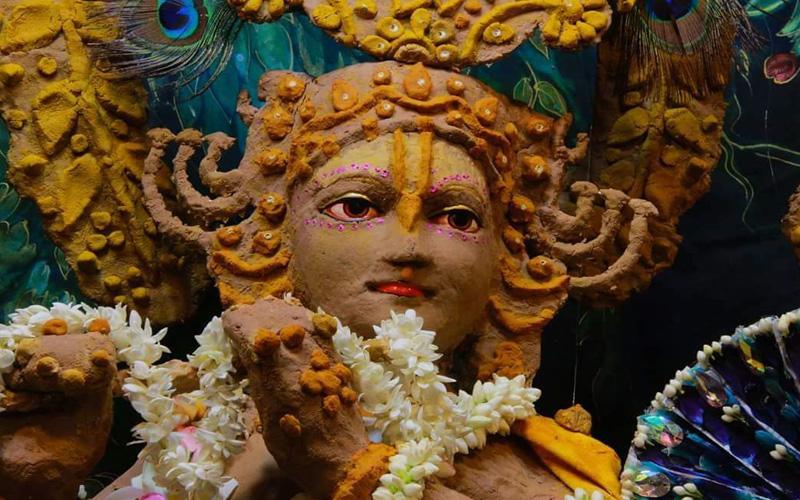 Shri Krishna Ji Sringar at Akshaya Tritiya Iskcon Temple Vrindavan