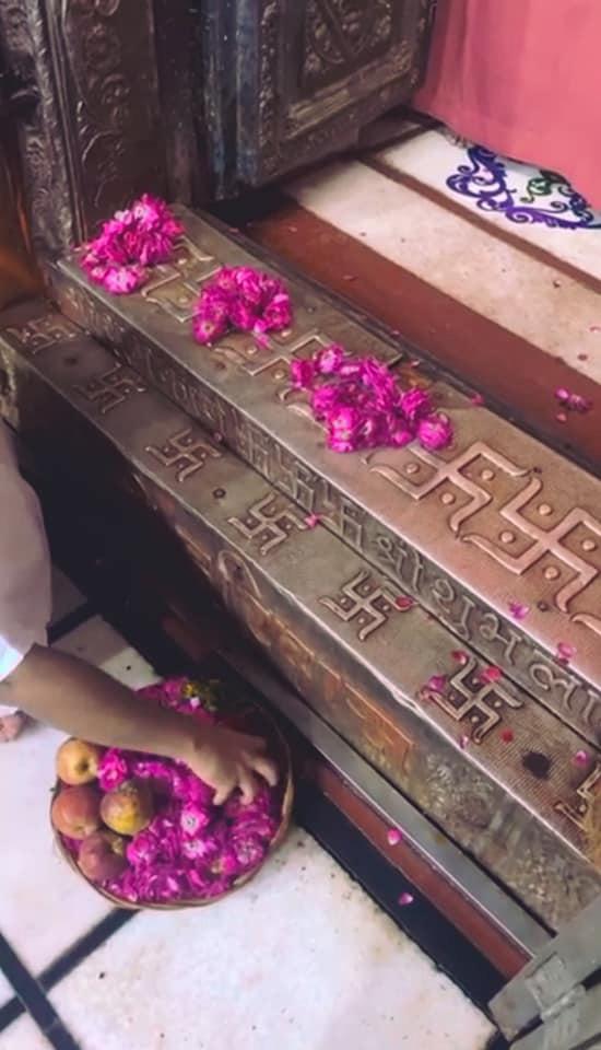 Shri Banke Bihari Ji Pushp Evan Pushp Haar Sewa