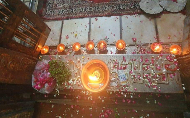 Shri Banke Bihari Ji Chaukhat Pujan Seva
